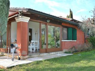 Nice 3 bedroom House in Soiano Del Lago - Soiano Del Lago vacation rentals