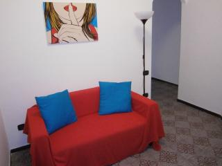 Cozy and Quiet Flat in the centre city - Naples vacation rentals