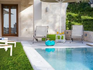 Lovely Villa with Internet Access and Dishwasher - Rethymnon vacation rentals