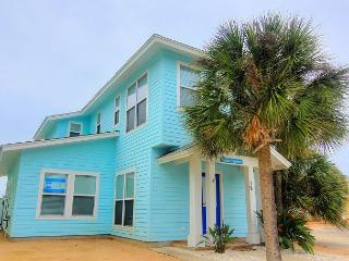 Blue Heaven 18RP. Fabulous community pool! Located in town. - Port Aransas vacation rentals