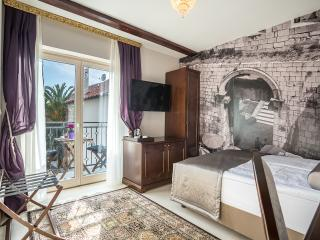 Splendida Palace - Standard double room Balcony - Split vacation rentals