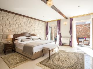 Splendida Palace - Deluxe double room,ground floor - Split vacation rentals