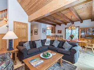Wooded Cabin in Truckee with Tahoe Donner Access and World-Class Skiing - Truckee vacation rentals