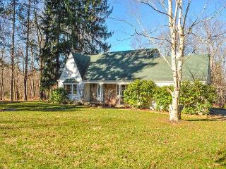 OVR's Shady Oak Cottage- Private pool, 5 bedrooms, minutes to Ohiopyle! - Chalk Hill vacation rentals