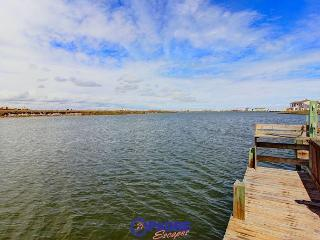 Enjoy this Waterfront cottage that's just a short walk from the Beach. - Corpus Christi vacation rentals