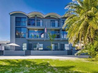 Mai Tai Beach House - Mission Bay Waterfront Vacation Rental - Mission Beach vacation rentals