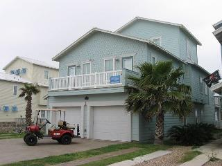 The Big Kahuna: PRIVATE Pool, Free Golf Cart, Boardwalk to the Beach - Port Aransas vacation rentals