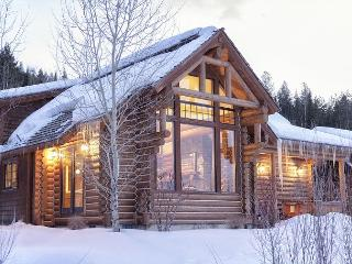 Mountain Bluebird Cabin - 3 bedroom Log Cabin  - Close to Jackson Hole - Victor vacation rentals