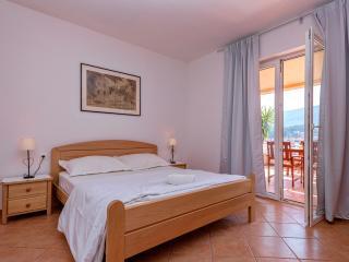 """Apartment """"Piccolo"""" - Jelsa vacation rentals"""