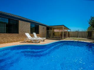 Bright 4 bedroom House in Currambine - Currambine vacation rentals