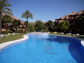 Embrujo Playa 33250 - Marbella vacation rentals