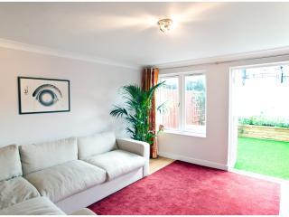 2 Bedroom Apartment, Islington - Bridel Mews - London vacation rentals