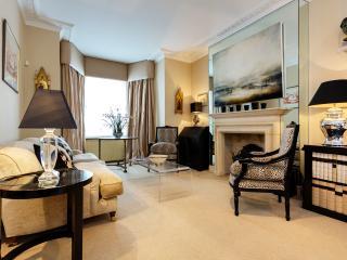 Veeve - Brook Green Brilliance - London vacation rentals