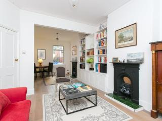 Great family home on Stronsa Road, Shepherd's Bush - London vacation rentals