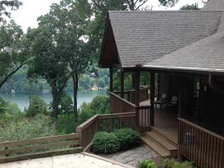 Sugarbush Cabin with Lake Lure views, hot tub! - Lake Lure vacation rentals