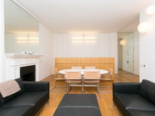 Bright 1 bedroom Apartment in London with Washing Machine - London vacation rentals