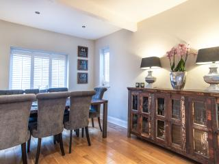 An impressive four-bedroom family home in the suburban idyll of Raynes Park. - London vacation rentals