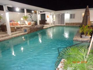 4 *  Seaside Suites ..at the Beach  Rates Fr.$ 75 - Coronado vacation rentals
