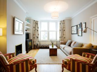 Bright 5 bedroom House in London - London vacation rentals