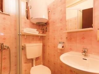 Romantic 1 bedroom Condo in Novigrad - Novigrad vacation rentals