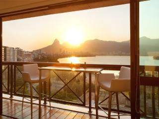 W01.138 - 3 BEDROOM APARTMENT IN LAGOA FOR RENT - Rio de Janeiro vacation rentals