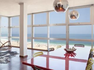 W01.95 - 3 BEDROOM APARTMENT IN COPACABANA - Rio de Janeiro vacation rentals