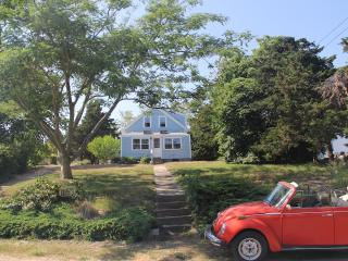Antique Charmer, Minutes from the Best Beaches - North Truro vacation rentals
