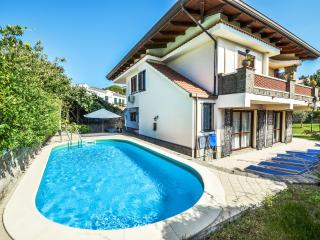 Villa with Pool in a village near Sorrento - Villa Celeste - Sant'Agata sui Due Golfi vacation rentals