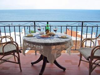 2 bedroom Condo with A/C in Nerja - Nerja vacation rentals