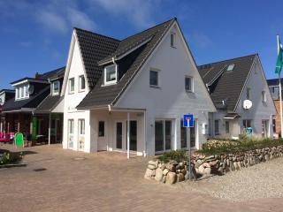 Hochweriges modernes APP  in zentraler Lage - Hornum vacation rentals