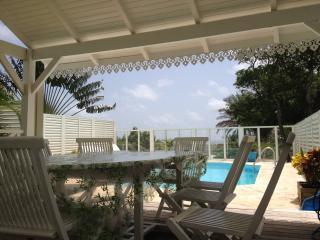 Résidence CaZméti'C - Bungalow Lagon piscine - Le Marin vacation rentals