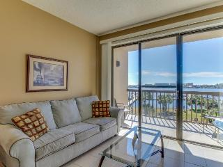 Chic studio condo with private boat slip and shared pool access - Fort Walton Beach vacation rentals