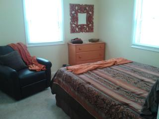 Lovely, Corner Bedroom for 2 in Luxurious Property - Green Bay vacation rentals