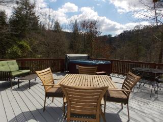 4 bedroom Chalet with Internet Access in Sevierville - Sevierville vacation rentals