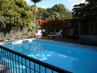 HOLIDAY HOME ON THE CANELS - Broadbeach vacation rentals