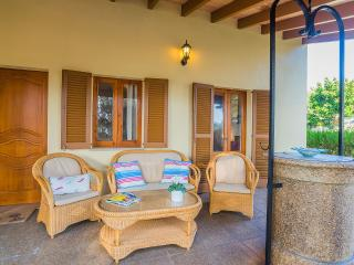 Nice 3 bedroom House in Mal Pas with Internet Access - Mal Pas vacation rentals