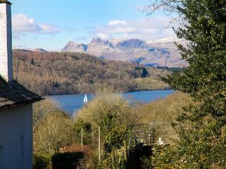 KEMPTON, semi-detached, pet-friendly, WiFi, private patio, in Bowness-on-Windermere, Ref 934814 - Bowness-on-Windermere vacation rentals