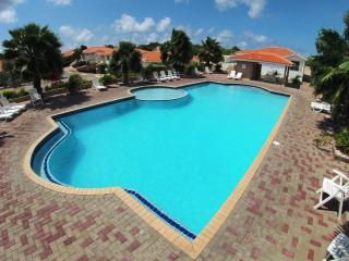 Nice Villa with A/C and Shared Outdoor Pool - Willemstad vacation rentals
