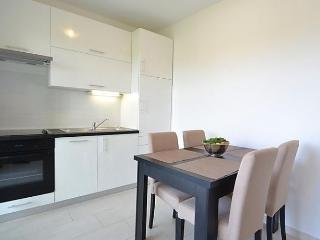 Sunny Condo with Internet Access and Short Breaks Allowed - Nin vacation rentals