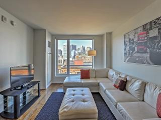Excellent 2BR Boston Condo w/Wifi, Access to Outstanding Community Amenities & Stunning Views of the City Skyline - Great Locati - Boston vacation rentals