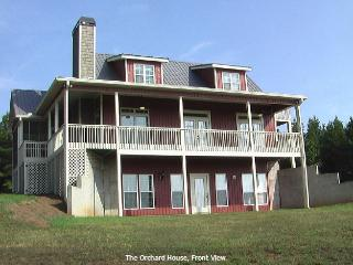Beautiful House with Internet Access and Parking Space - Ranburne vacation rentals