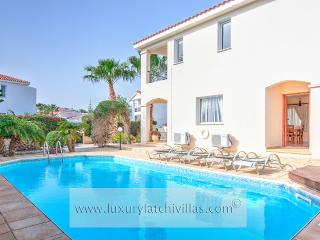 Perfect Villa with Television and DVD Player - Peyia vacation rentals