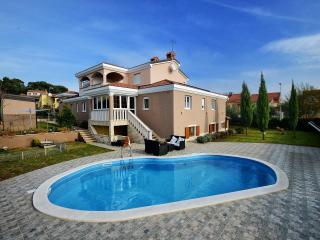 Perfect Villa with Internet Access and Dishwasher - Markovac vacation rentals