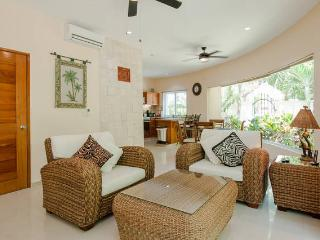 Condo Bellmare B1 paradise luxury logon view - Puerto Aventuras vacation rentals