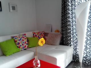 1 bedroom Condo with Television in Paco de Arcos - Paco de Arcos vacation rentals