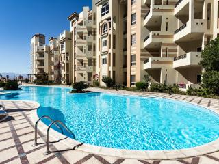 Bright Hurghada vacation Condo with A/C - Hurghada vacation rentals