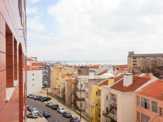Cozy and comfy in Graça - Alfama - Lisbon vacation rentals