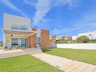 Nice Condo with Internet Access and A/C - Campos vacation rentals