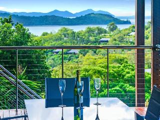 Lovely Villa with A/C and Television - Hamilton Island vacation rentals