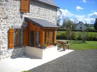 gite proche la bourboule/le mont dore - Saint-Sauves-d'Auvergne vacation rentals